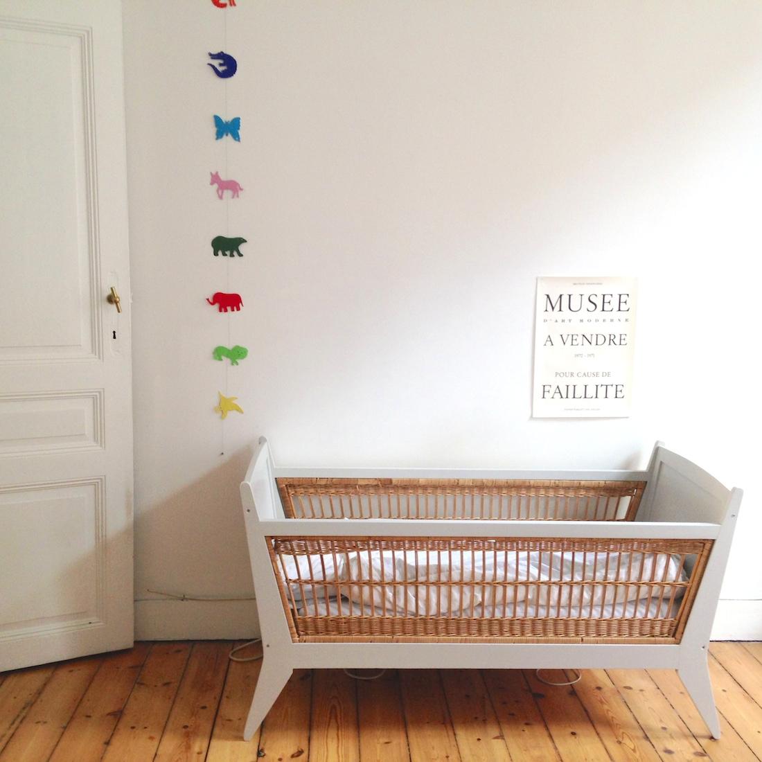 lit b b rotin et bois la maison bruxelloise. Black Bedroom Furniture Sets. Home Design Ideas