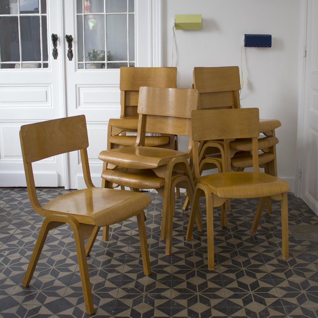 Série de 6 chaises industrielles en bois