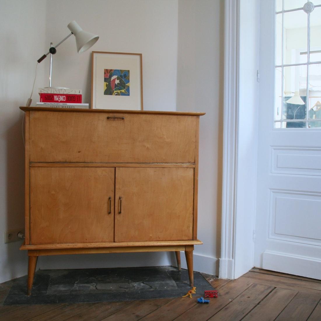 buffet haut ann es 50 la maison bruxelloise. Black Bedroom Furniture Sets. Home Design Ideas