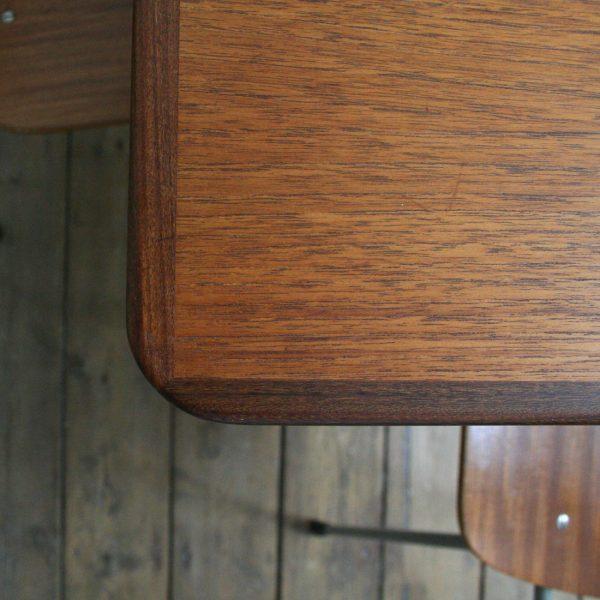Table pastoe rallonges la maison bruxelloise for Table 6 rallonges