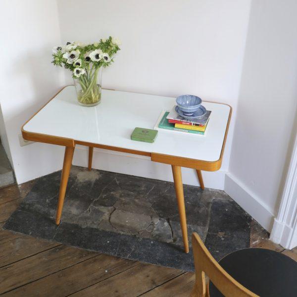 Table d appoint pieds compas blanche la maison bruxelloise - Table basse pieds compas ...