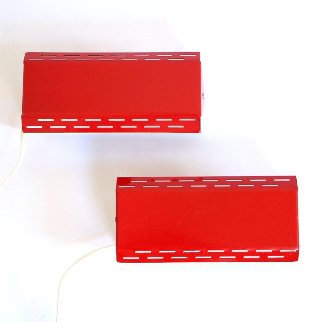 Paire d'appliques modernistes rouges vif