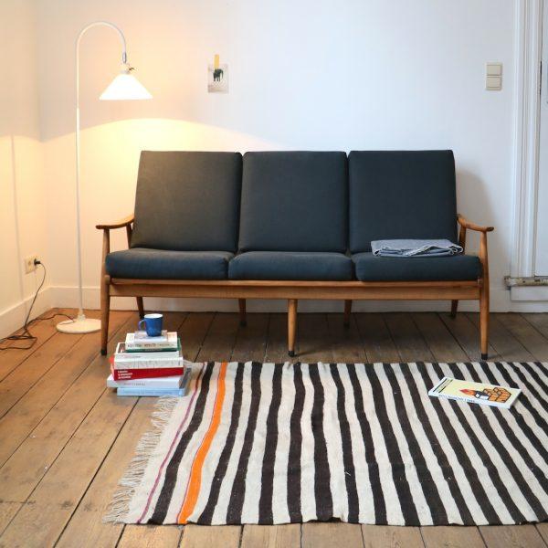 canap scandinave la maison bruxelloise. Black Bedroom Furniture Sets. Home Design Ideas