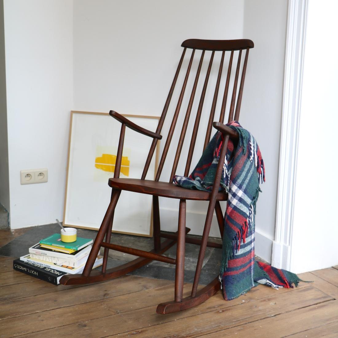 rocking chair scandinave la maison bruxelloise. Black Bedroom Furniture Sets. Home Design Ideas