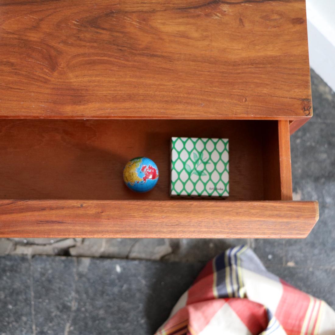meuble bas en palissandre la maison bruxelloise. Black Bedroom Furniture Sets. Home Design Ideas