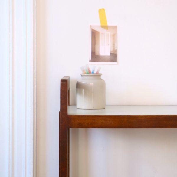 tag re biblioth que poser la maison bruxelloise. Black Bedroom Furniture Sets. Home Design Ideas