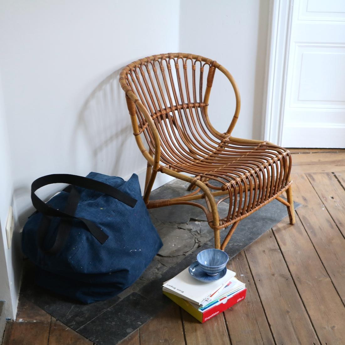 fauteuil en rotin coque la maison bruxelloise. Black Bedroom Furniture Sets. Home Design Ideas