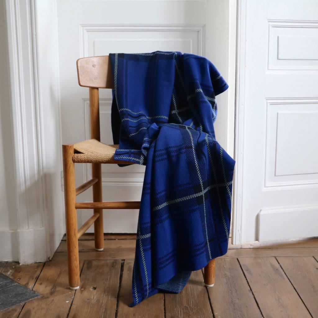 Plaid tartan bleu vif