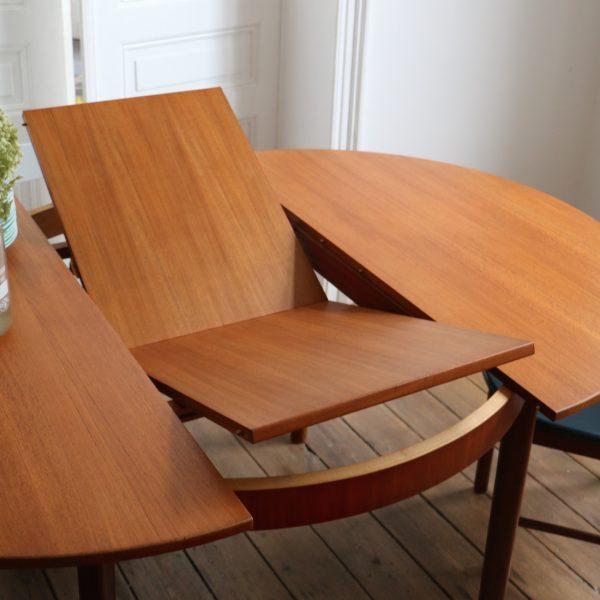 Table Ronde Extensible Et Chaises Int Gr Es La Maison Bruxelloise