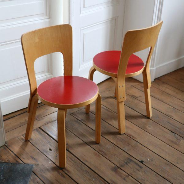 ensemble table et chaises alvar aalto la maison bruxelloise. Black Bedroom Furniture Sets. Home Design Ideas
