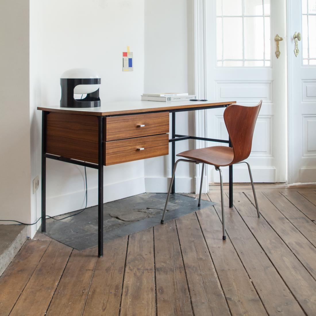 bureau pierre guariche la maison bruxelloise. Black Bedroom Furniture Sets. Home Design Ideas