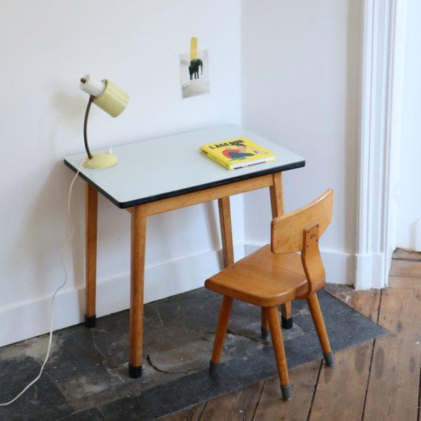 Table et chaise maternelle grise La maison bruxelloise