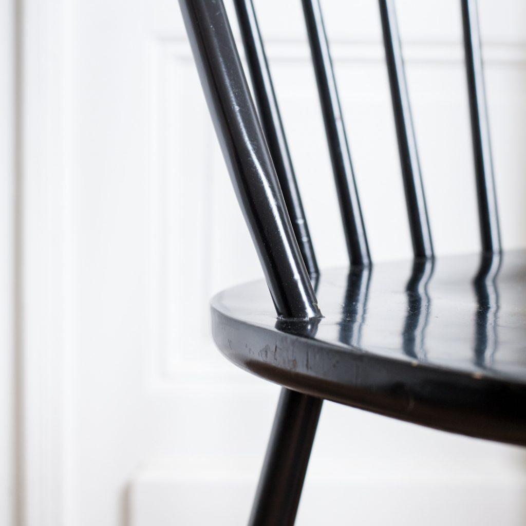 Paire de chaises à barreaux noires