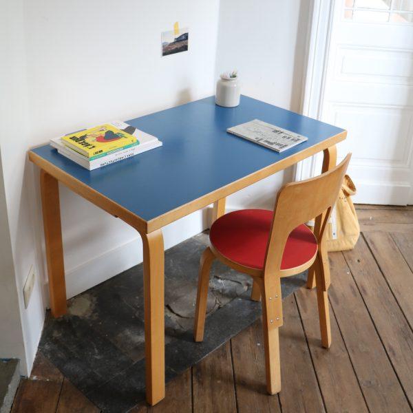 Bureau et chaise alvar aalto la maison bruxelloise for Chaise 66 alvar aalto