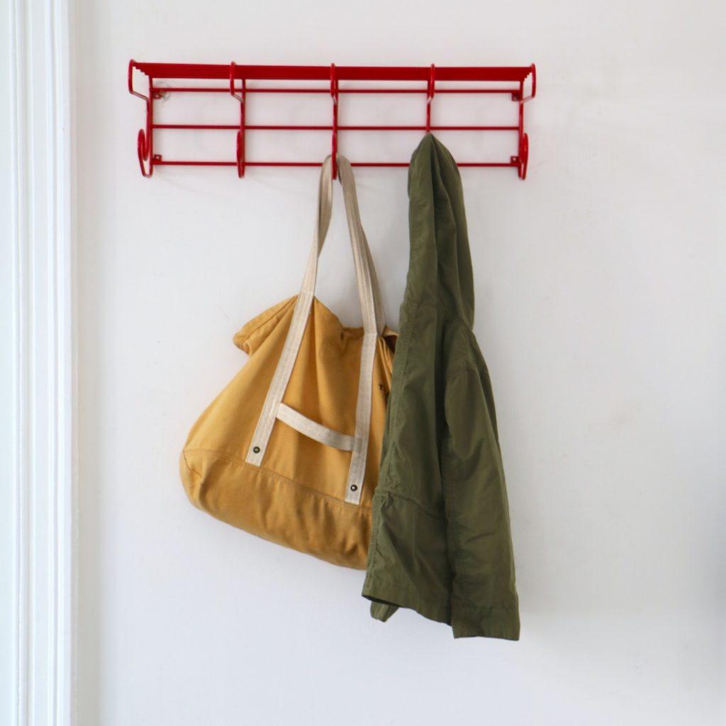 Porte-manteau Tomado rouge