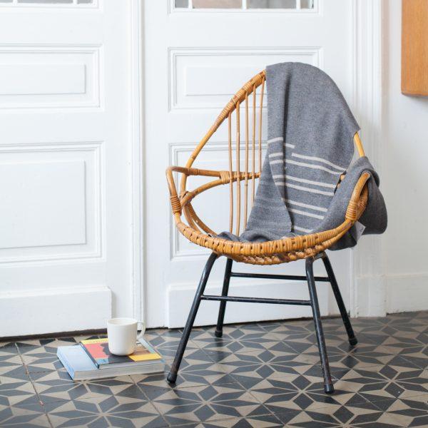 Fauteuil en rotin joli fauteuil en rotin boule typiques des annees 50 - Peindre fauteuil en rotin ...