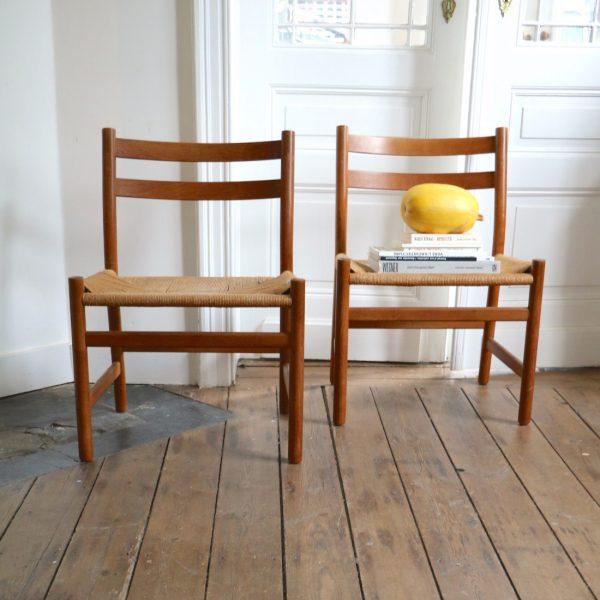 paire de chaises hans wegner ch 47 la maison bruxelloise. Black Bedroom Furniture Sets. Home Design Ideas