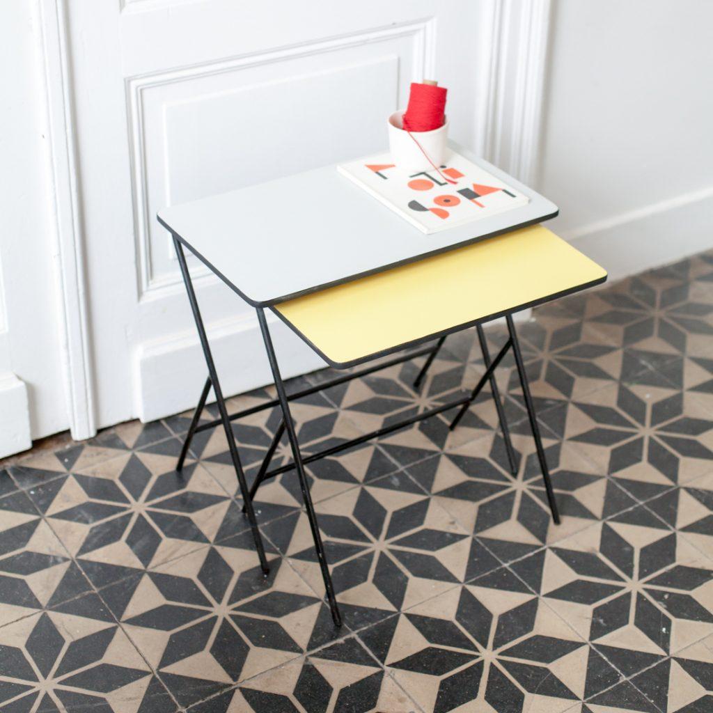 Duo de tables gigognes modernistes