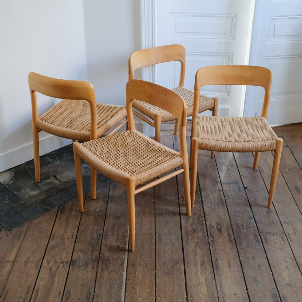 Série de 4 chaises Moller