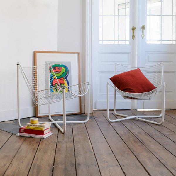 paire de fauteuils en fil d acier la maison bruxelloise. Black Bedroom Furniture Sets. Home Design Ideas