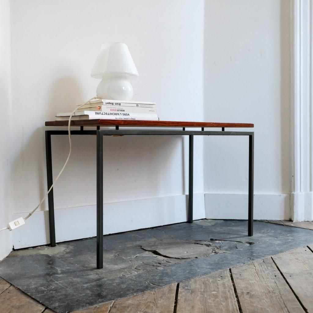 Table d'appoint en bois précieux
