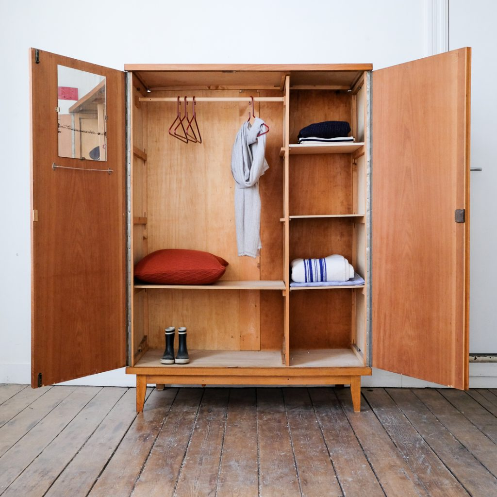 Grande armoire bicolore
