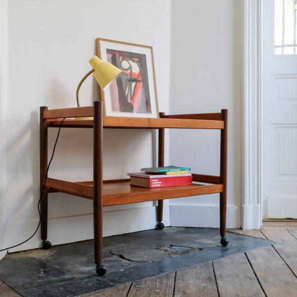 desserte scandinave en teck la maison bruxelloise. Black Bedroom Furniture Sets. Home Design Ideas