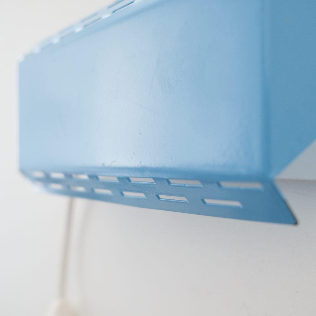 Applique métallique bleue