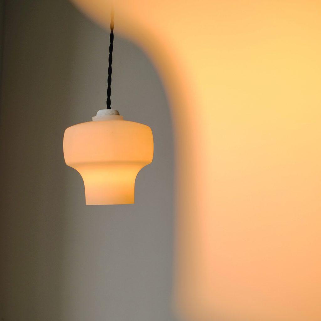 Paire de petites opalines lampion
