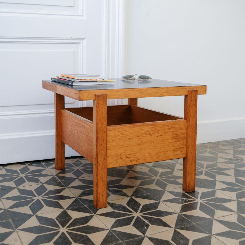 Petite table réversible