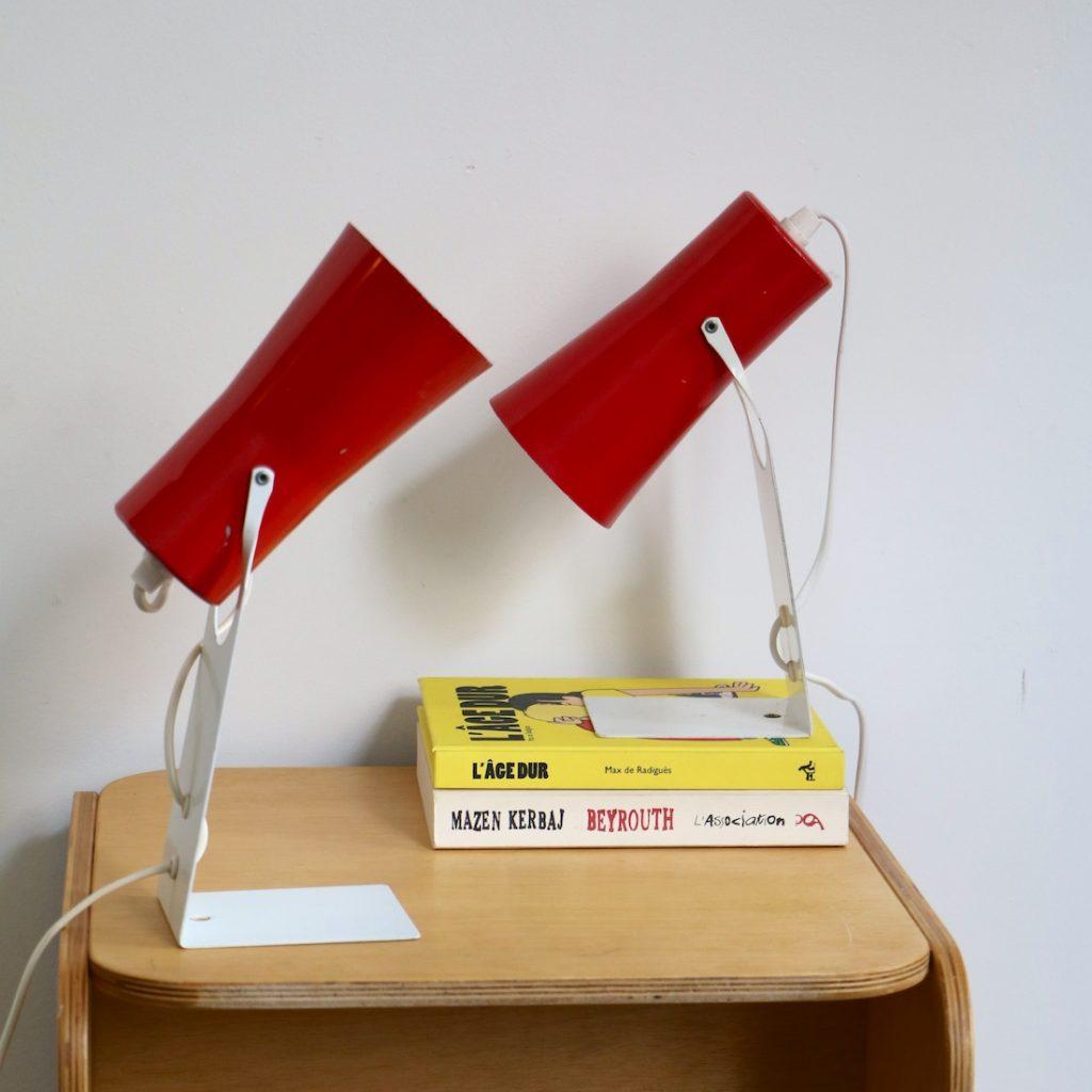 Paire de lampes de chevet rouges et blanches