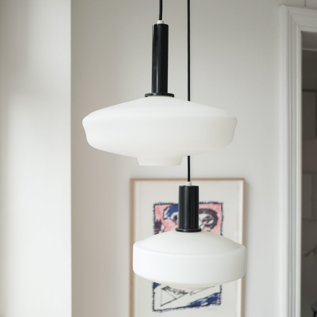 Grande suspension en opaline lampion