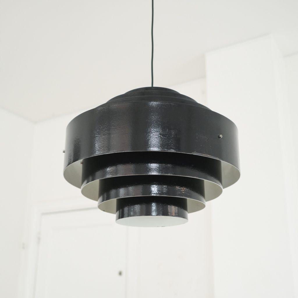Grande suspension scandinave noire