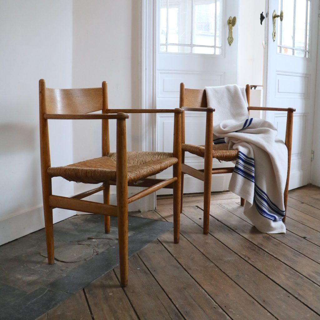 Paire de fauteuils Hans Wegner