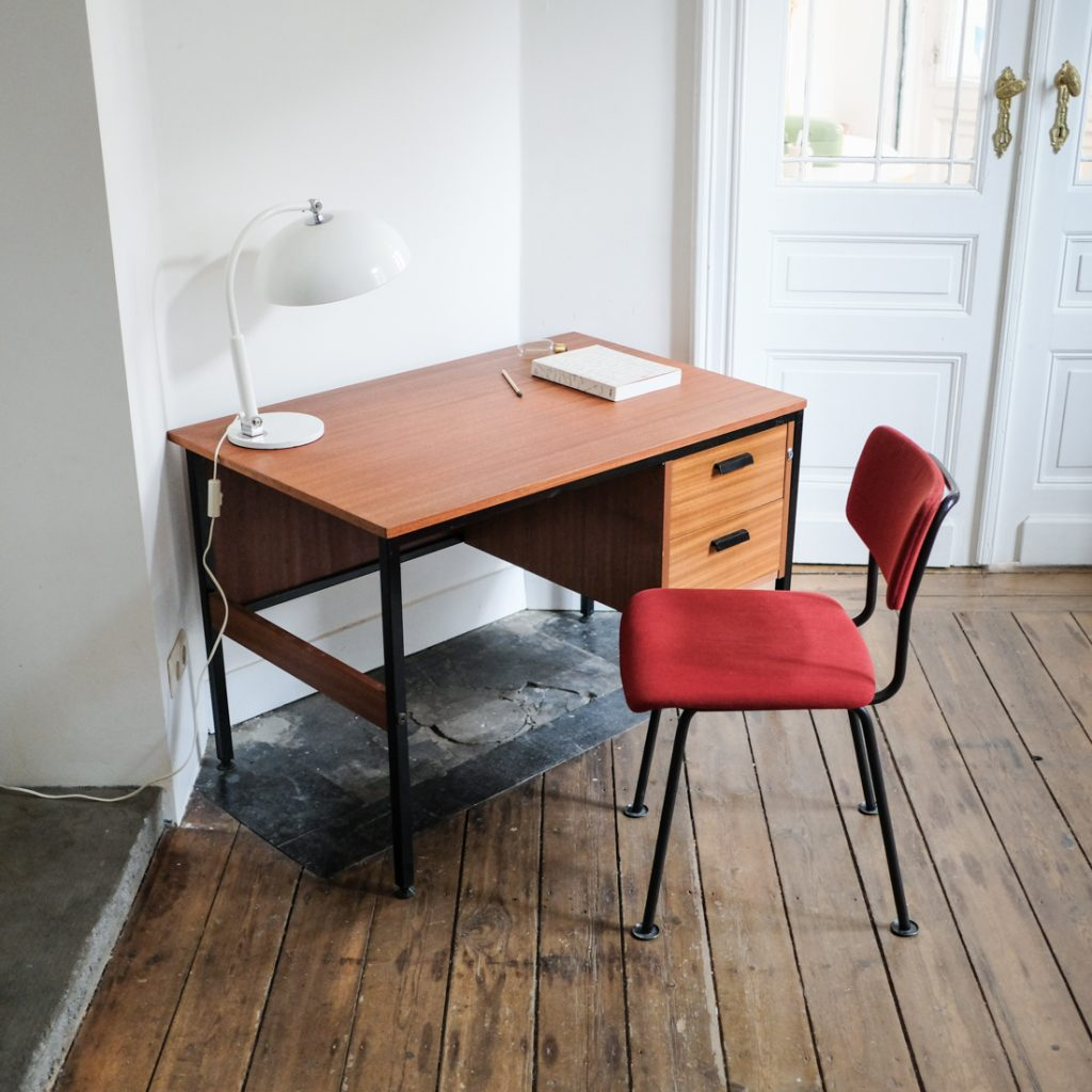 Bureau moderniste