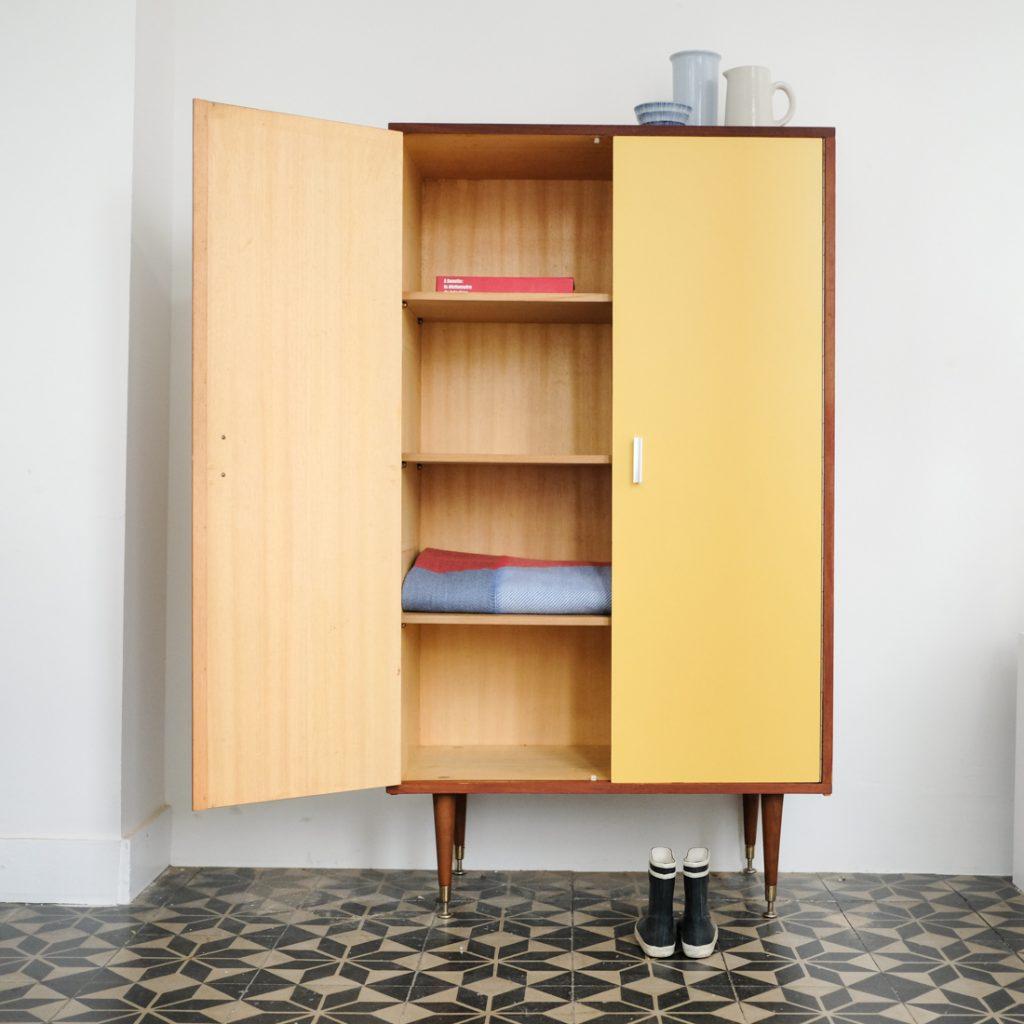 Petite armoire bicolore