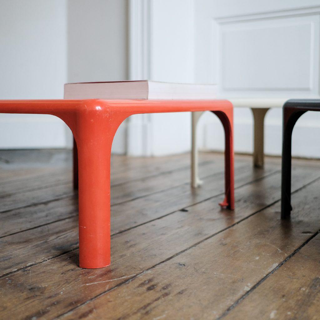 Série de 3 tables Demetrio de Vico Magistretti