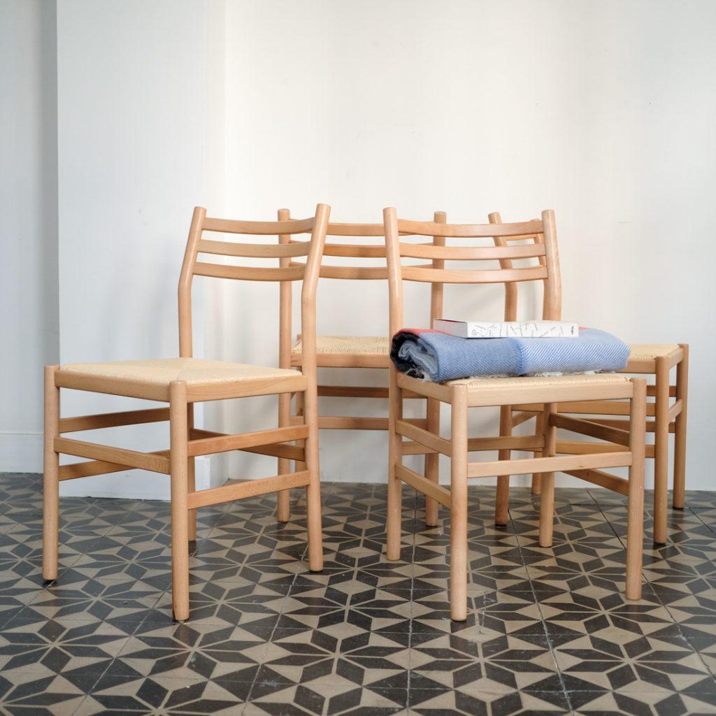 Série de 4 chaises en hêtre massif