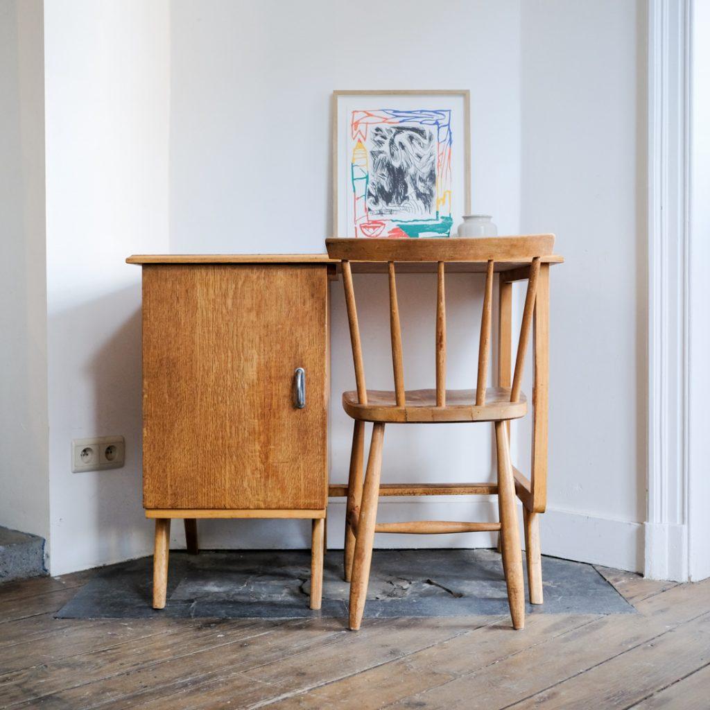 Bureau en chêne '50 et chaise à barreaux