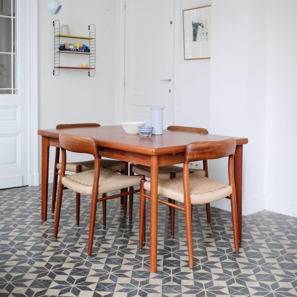Table en teck danoise