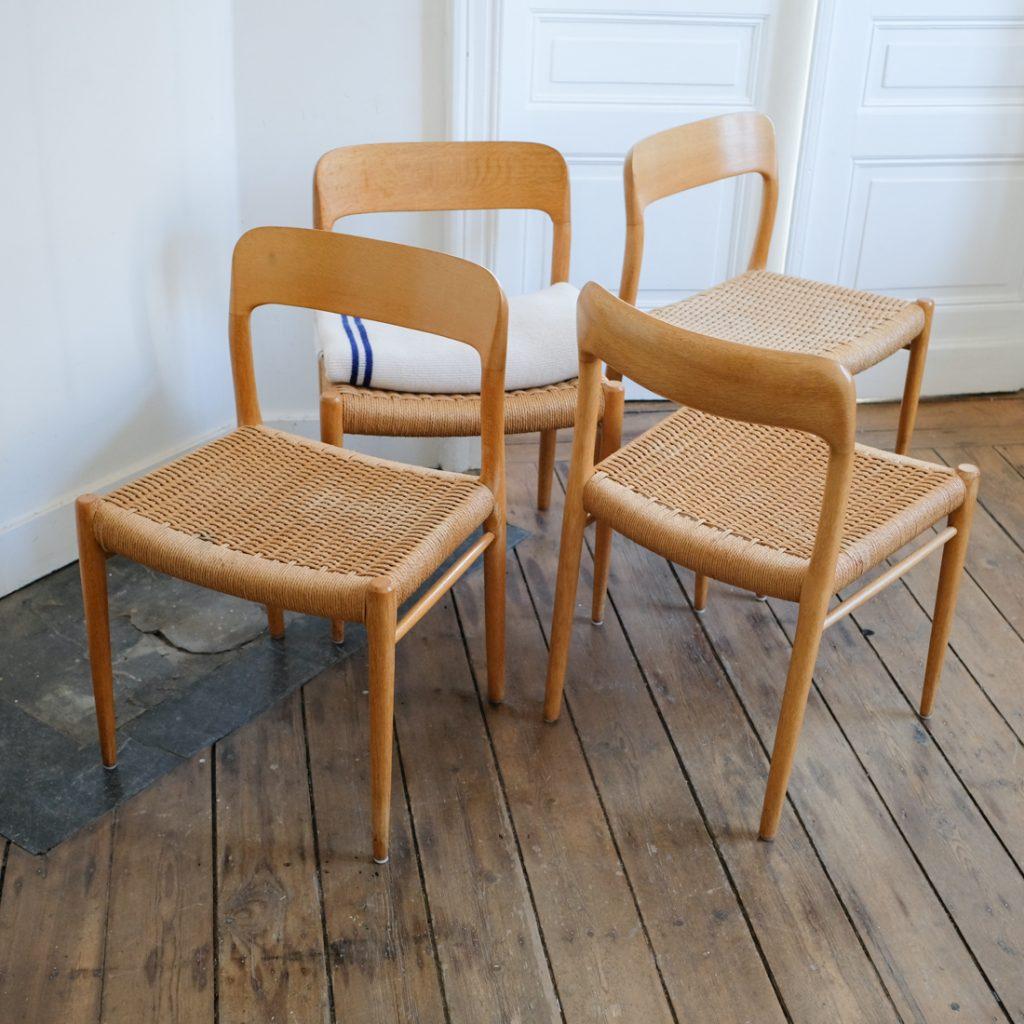Série de 4 chaises Moller en chêne