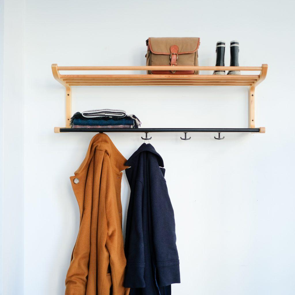 Porte-manteau en bois courbé