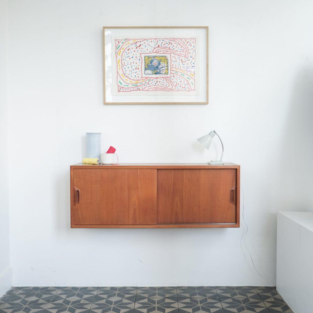 Petite meuble danois suspendu