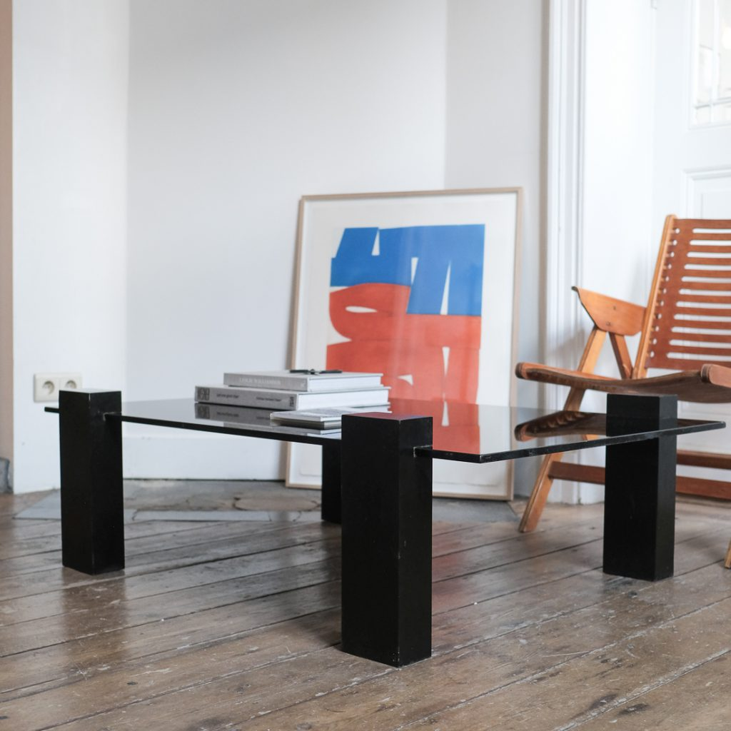 Grande table basse en verre noir