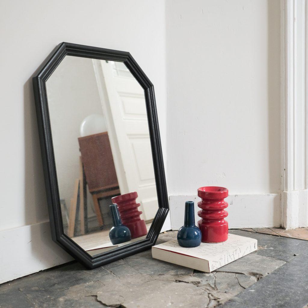 Miroir noir octogonal