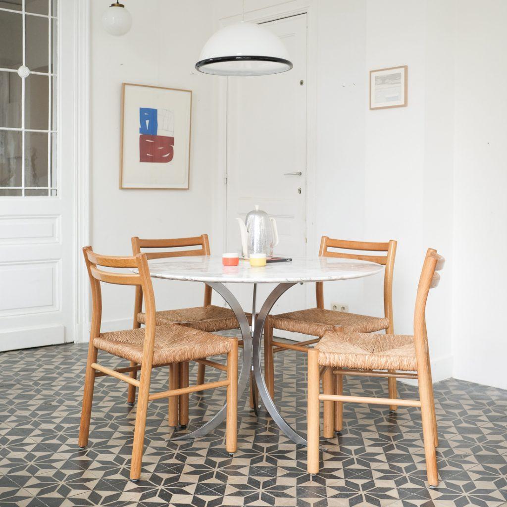 Table à manger en marbre ancien