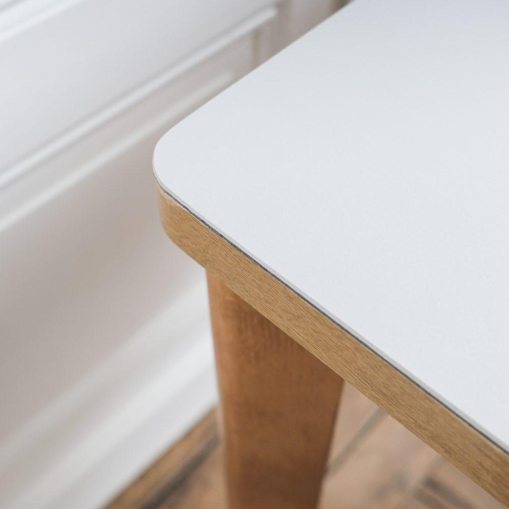 Ensemble table en lino et ses 2 chaises