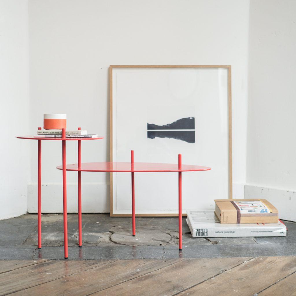 Table d'appoint rouge vermillon