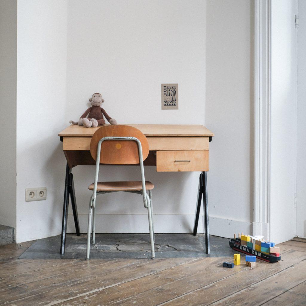 Bureau coffre '50 et chaise tubulaire