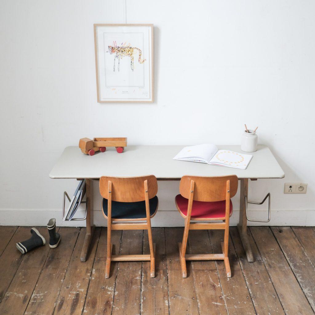 Bureau enfant Casala et ses deux chaises
